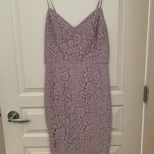 Beautiful lavender lace midi dress - Dynamite XS